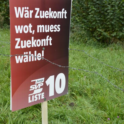 JSVP schützt Plakate ab sofort mit Stacheldraht!