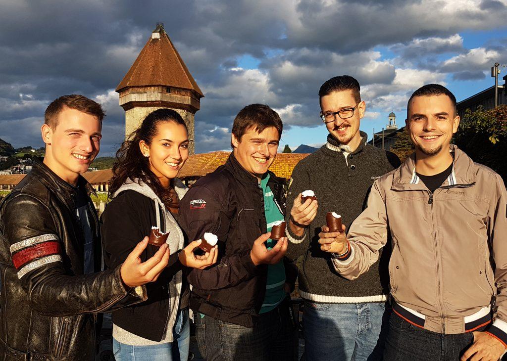 JSVP Luzern protestiert gegen sprachliche Überkorrektheit im Umgang mit Süssspeisen